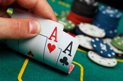 Spend Your Christmas Playing Poker with These December Tournaments
